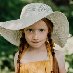 rudowłosa mała modelka