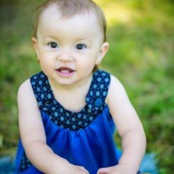 roczne dziecko na sesji zdjęciowej