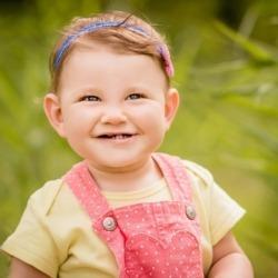 szczery uśmiech dziecka