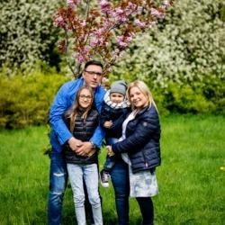 plenerowe zdjęcia rodzinne w poznaniu