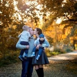 szczęśliwa rodzina na zdjęciach