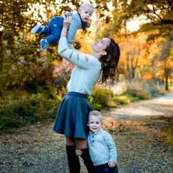 mama i synowie na zdjęciach