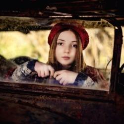 dziewczynka w berecie