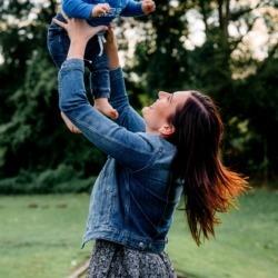 niemowlak z mamą